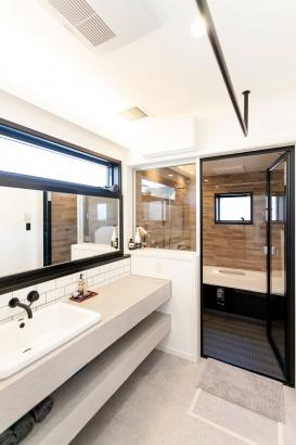 洗面脱衣所 &お風呂